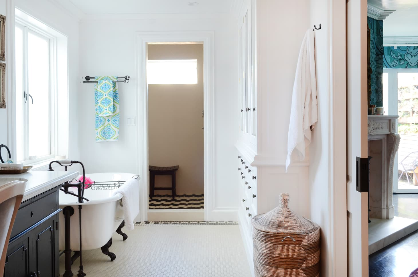 Apartment Therapy - 9 Savvy Ways to Fake a Bathroom Renovation
