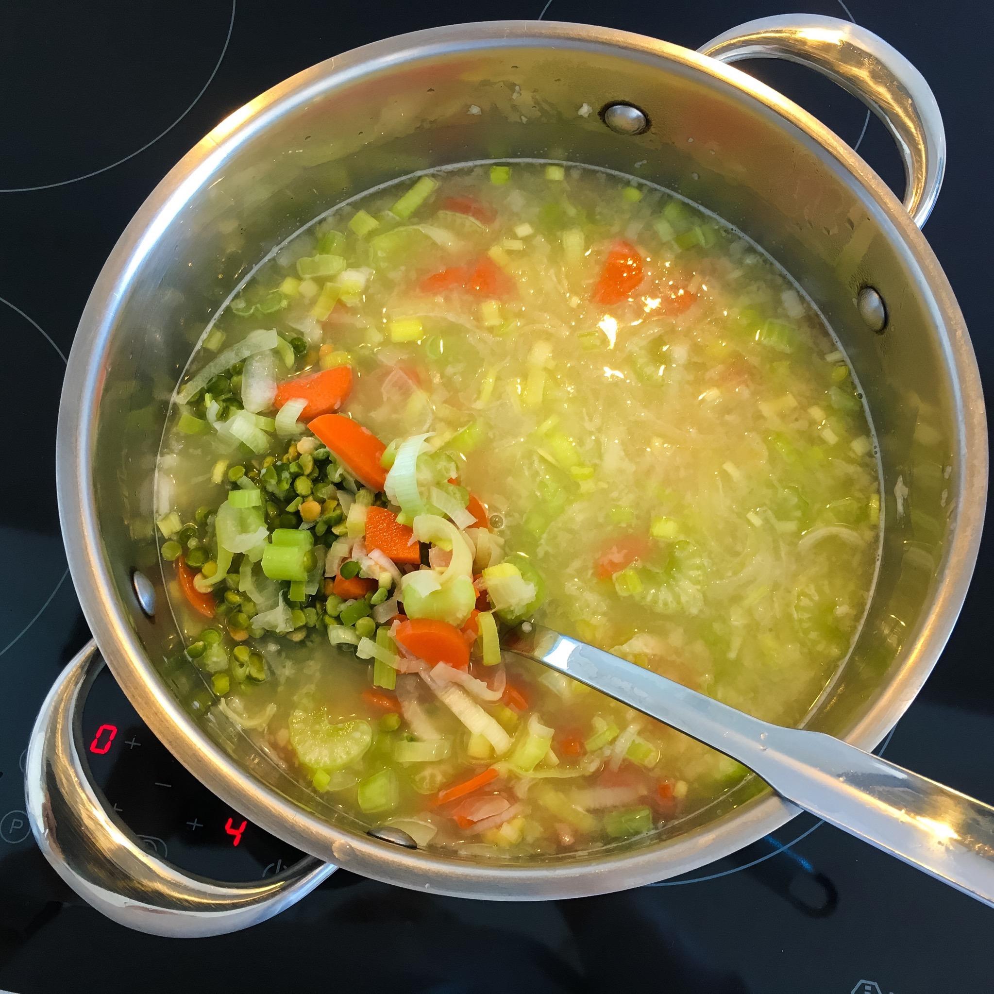 In my kitchen: split pea soup!