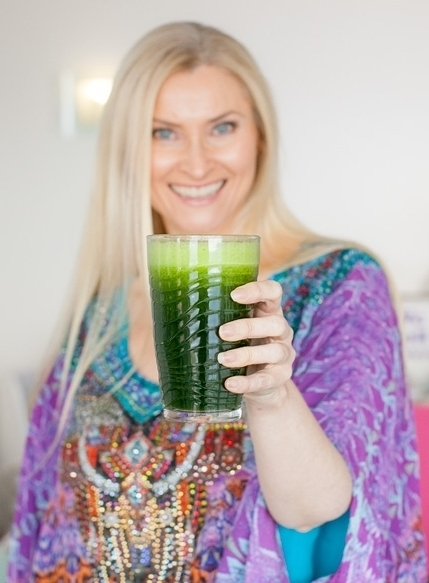 Hi! I'm Jenna. - I'm a food-loving, deprivation-hating, nutritionist and workplace wellness specialist.
