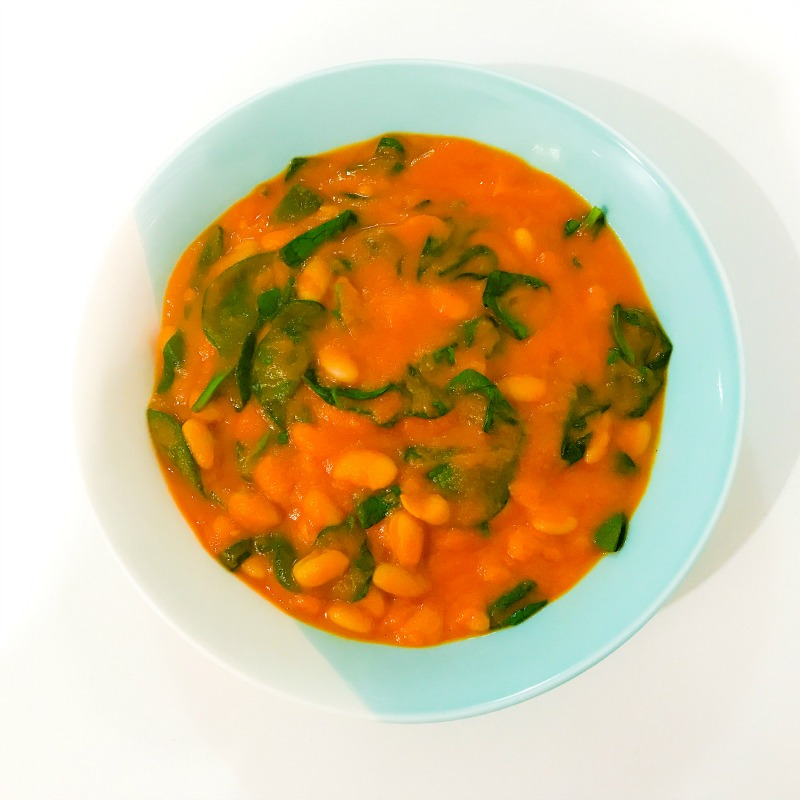 Roasted Tomato, Capsicum & Fennel Soup with Spinach & White Beans