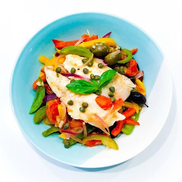 New recipe on the blog today and it's one of my favourite healthy recipes. Fish Peperonata. Fancy enough to serve when guests come over. Simple enough for a busy mid-week dinner. Oh, and did I mention it is as healthy as it is delicious? Link to recipe in profile. #recipes #healthyfood #healthyrecipes #seafood #seafoodrecipe #fish #fishrecipes #pescatarian #pescatarianrecipes #nutrition #realfood #jerf #delicious #nutritious #peperonata