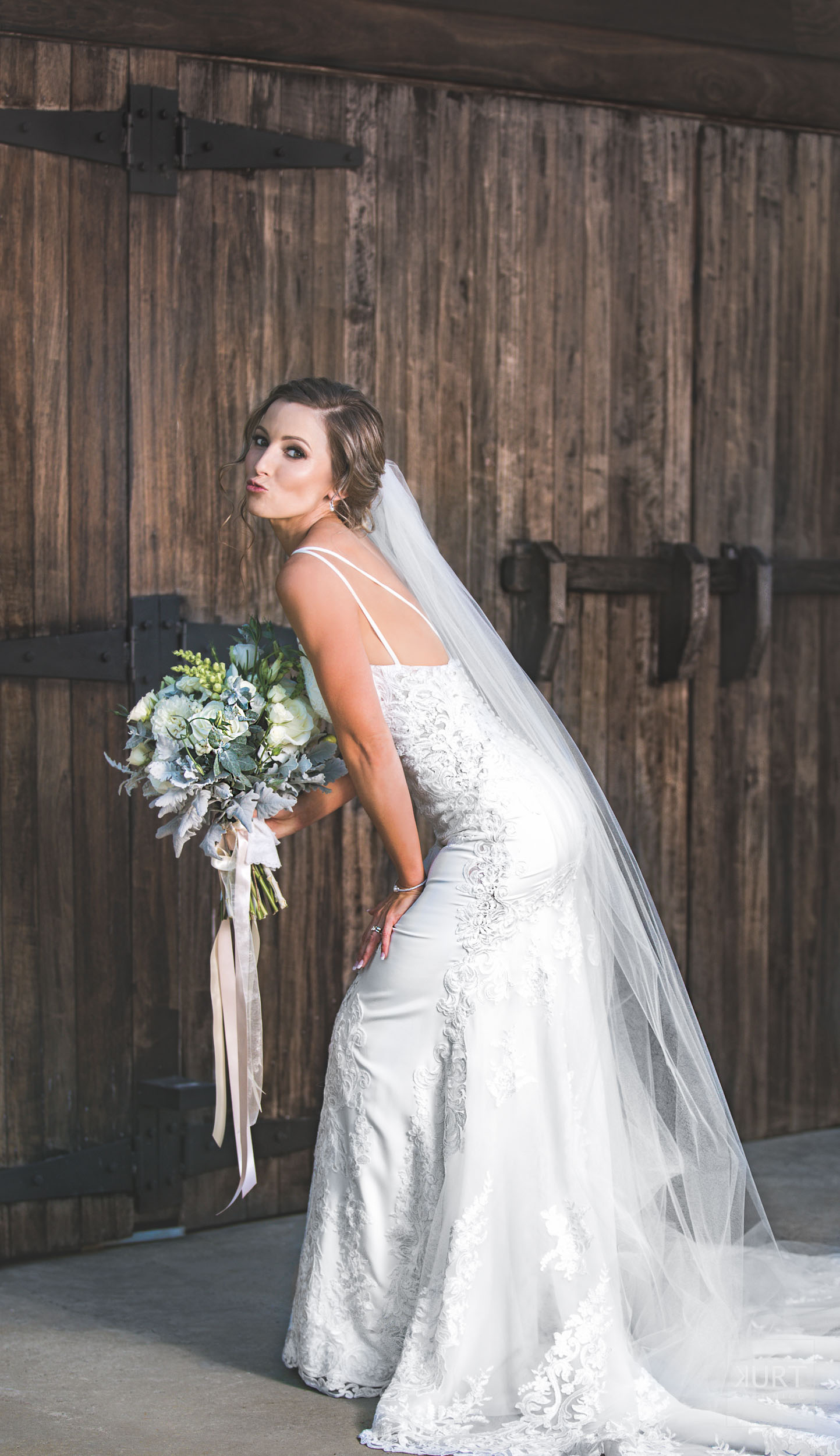 Bride portrait photography by Kurt Nigg