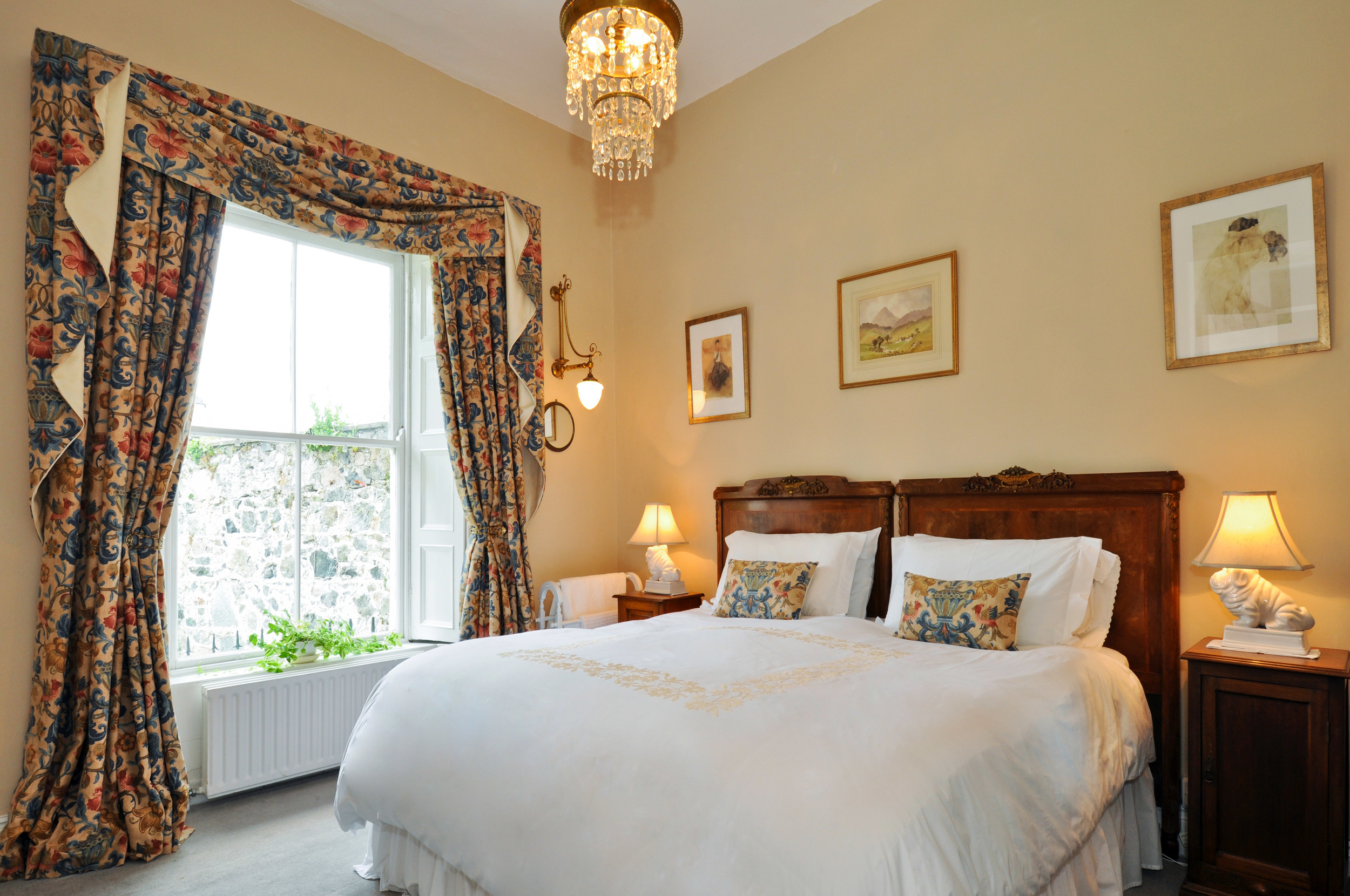 Luxury double room with en-suite Salthill