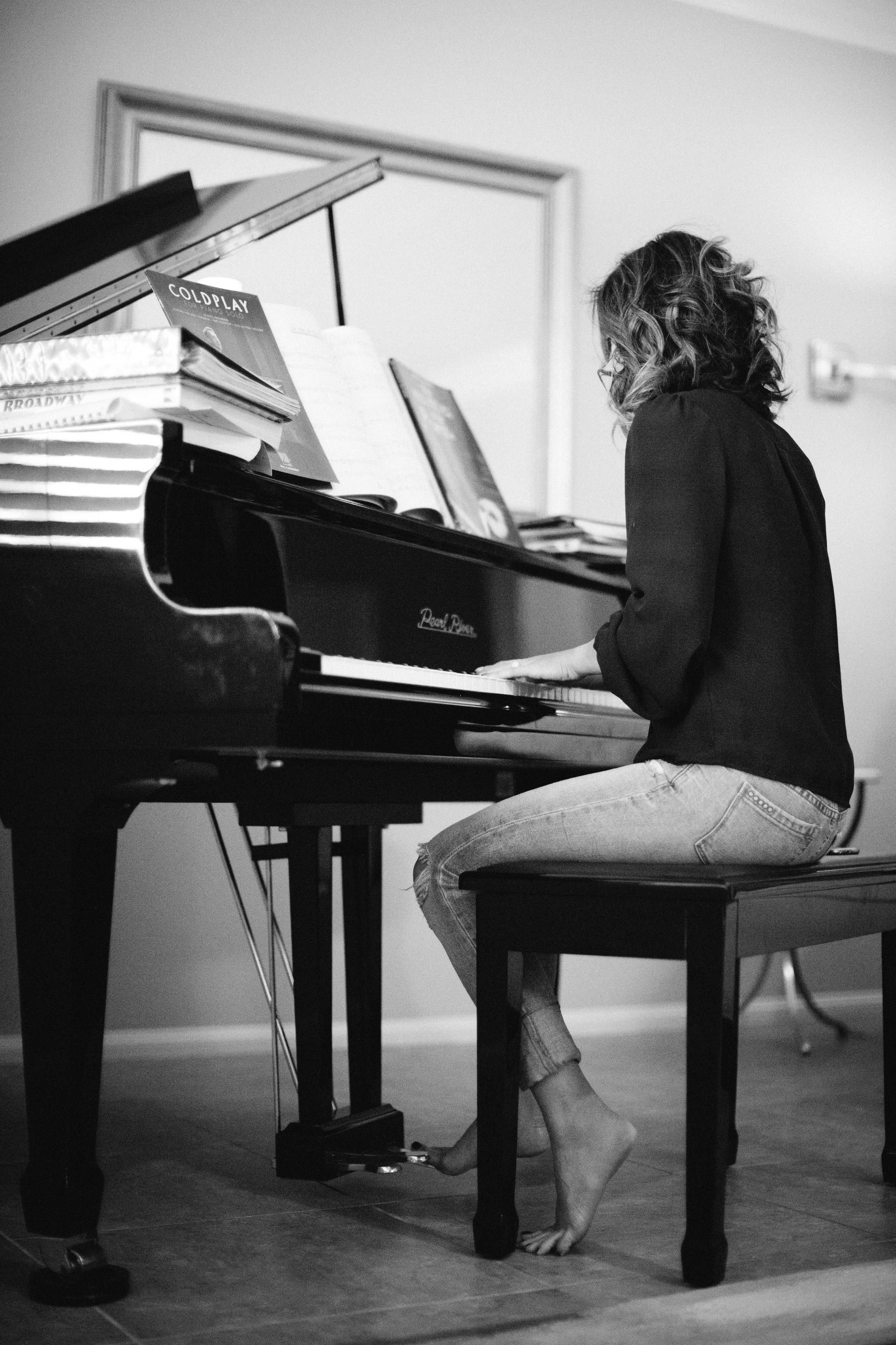Katherine Piano Mary Graham Photography-4.jpg