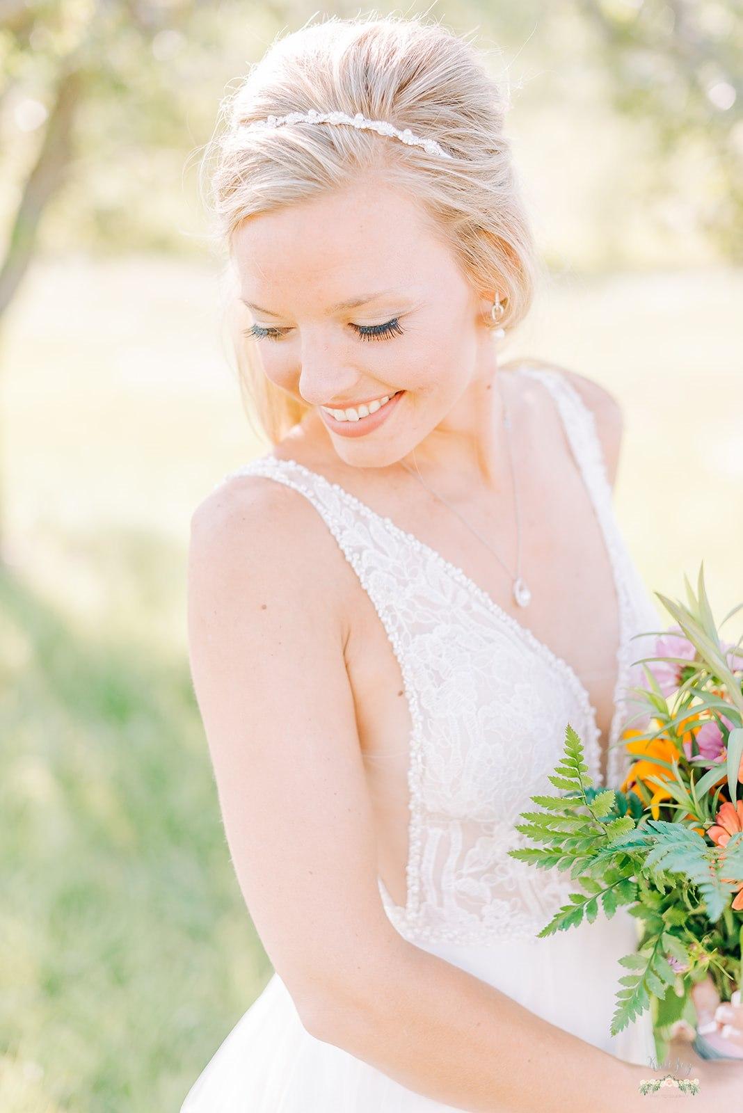 Elegant Bride, classic bridal portrait