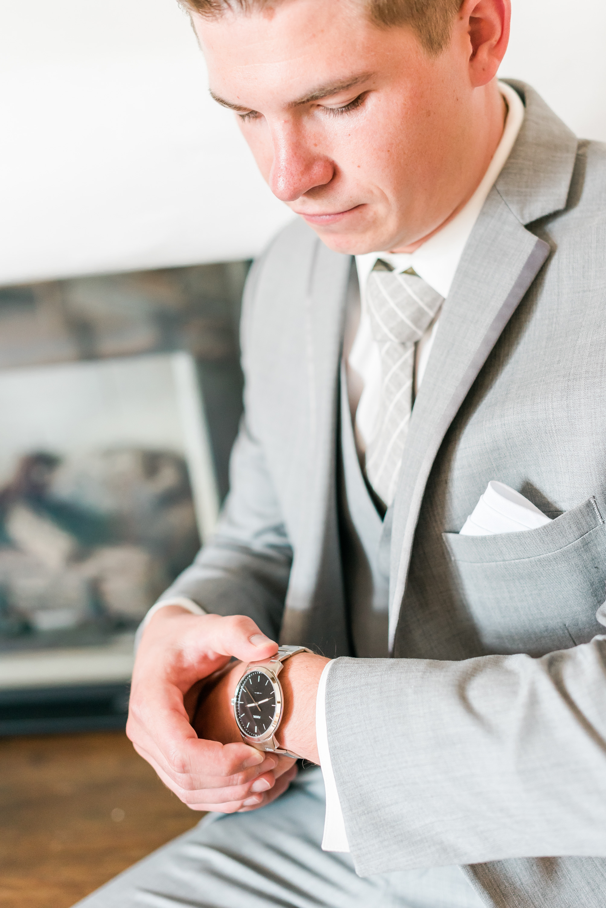 groom getting ready, wedding details, timeless wedding photography, photos to have your wedding photographer take
