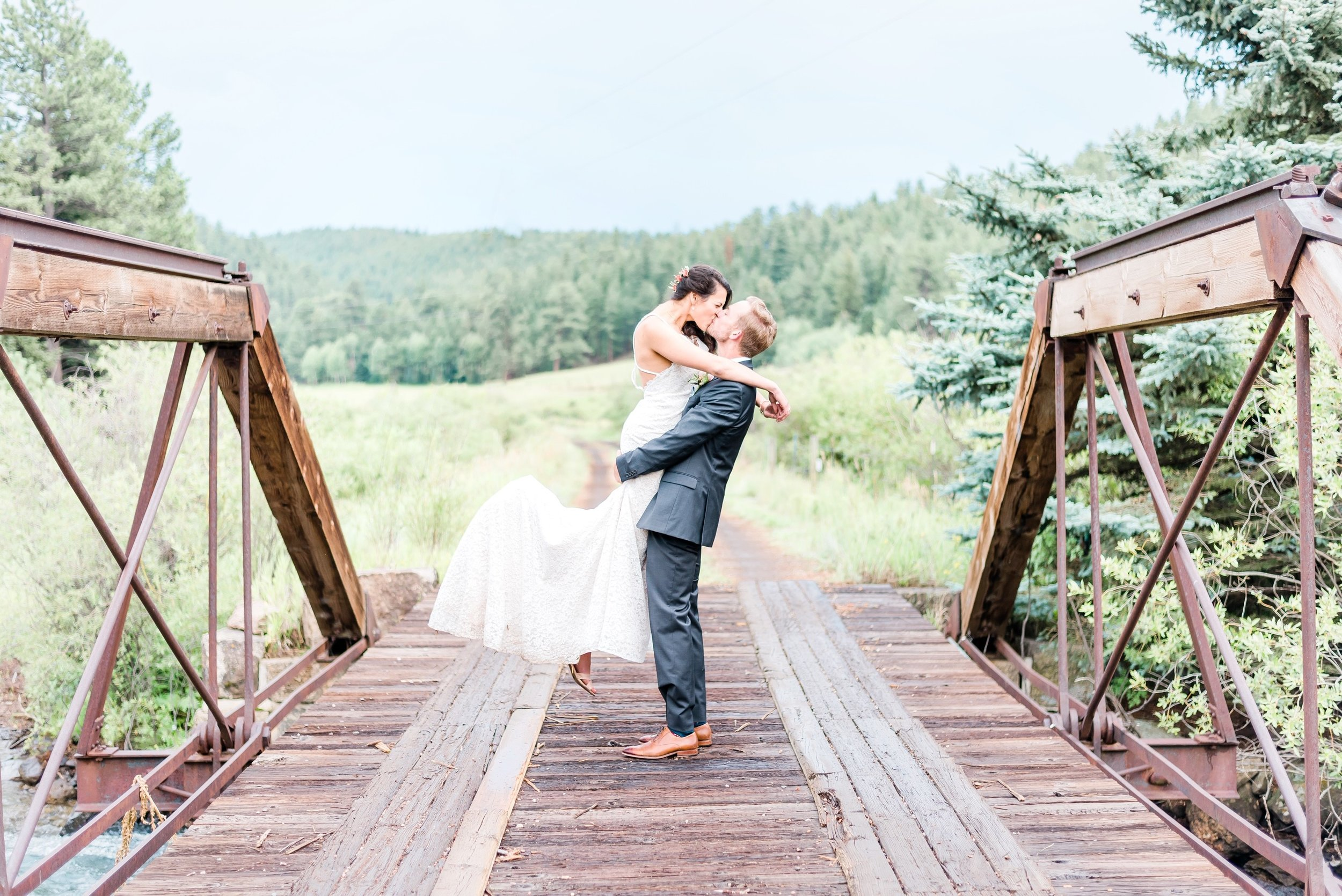 colorado wedding, mountain wedding, vail wedding photographer, aspen wedding photographer, rocky mountain national park wedding photographer, bright and airy, must have wedding photos