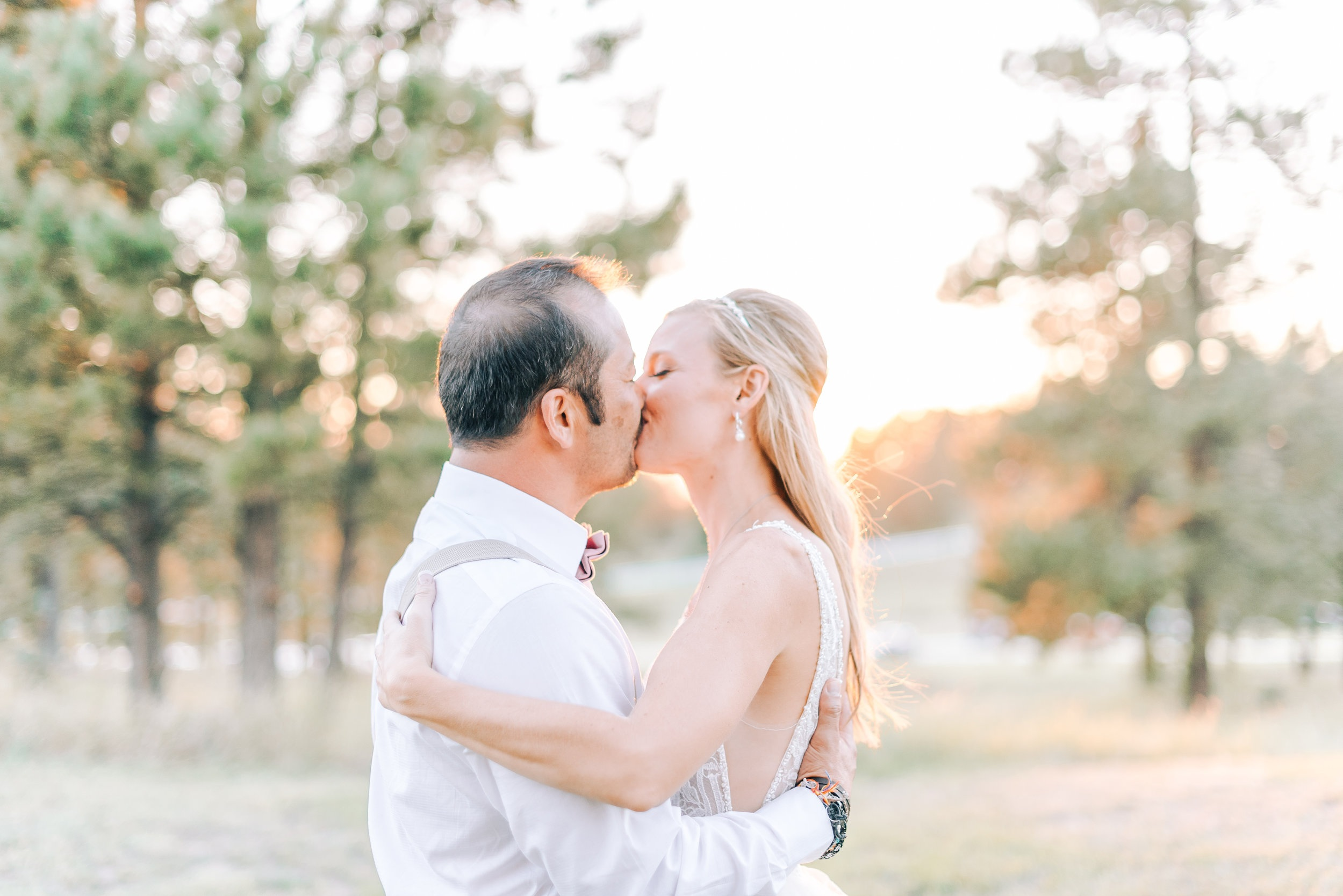 bride and groom poses, colorado wedding photography, denver wedding photography, evergreen wedding photography, parker wedding photography, must have wedding phots
