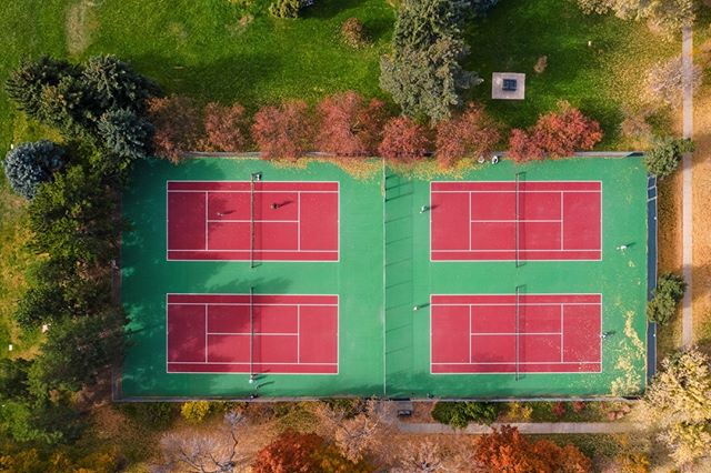 Tennis anyone? The courts at Observatory Park are kiiler. This aerial photo is being used to market a new build just across the street. . . . . . #tennis #courts #observatorypark #newlisting #luxuryrealestate #colorado #aerial #drone #denver #CBgloballuxury @archdigest @coldwellbanker #architecturalphotography @recolorado 📸@tjromero #custombuilt #interiordesign #photography #architecture #luxury #architecturalstorytelling #realestate #colorado