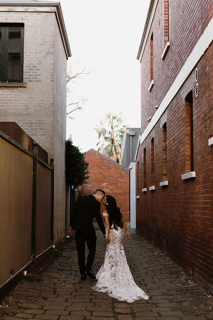 blossom-daisy-creative-melbourne-wedding-photographer-alleyway