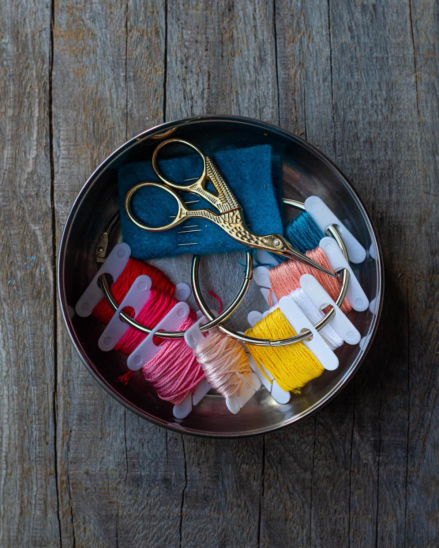 embroidery kit-round metal tiffin box.JPG