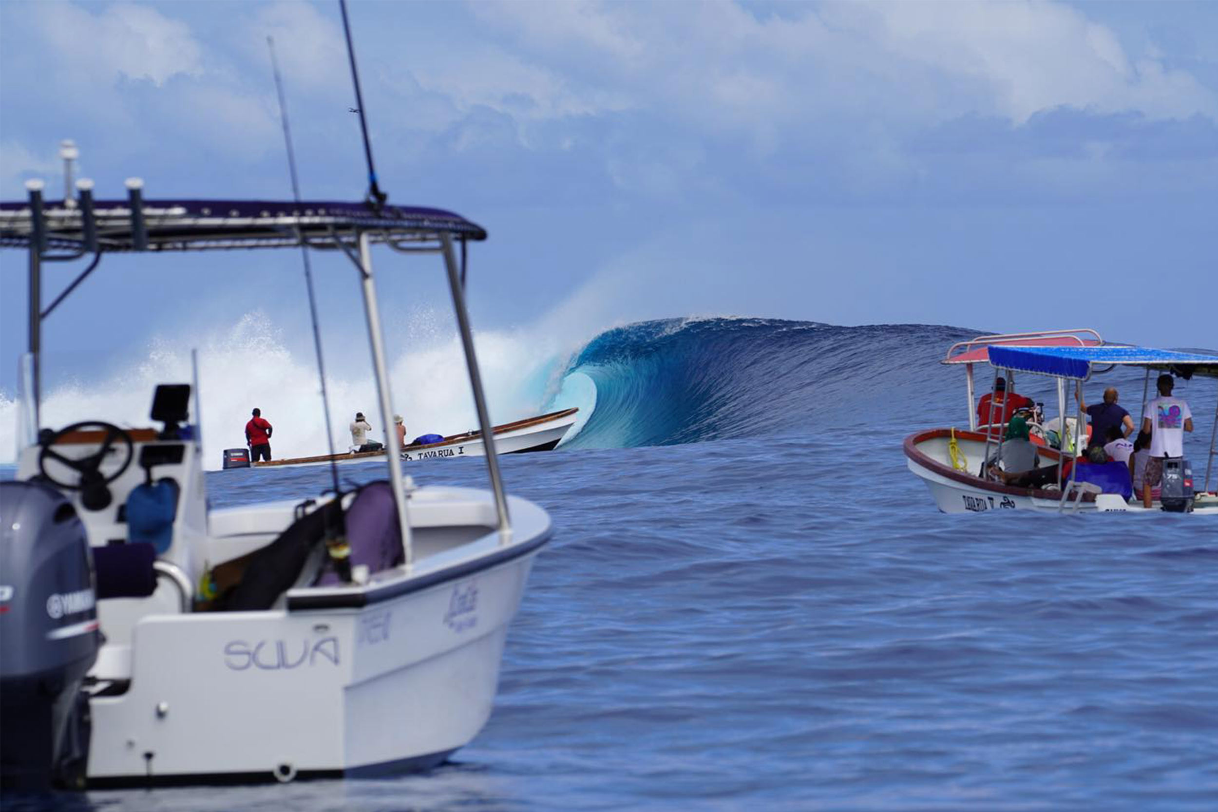 Private or mixed surfing or fishing tours for up to 10pax on board fast motor vessel Zigzag.