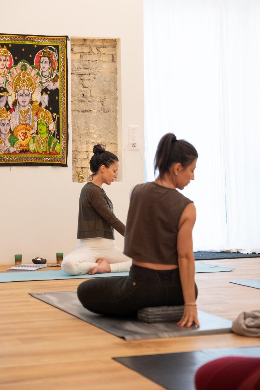 yogateaching_1.jpg