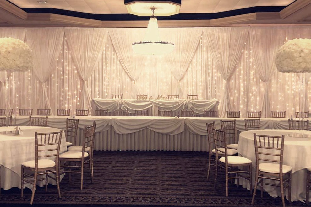 Starlight Backdrop With Hourglass Columns.jpg