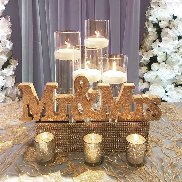Gold Glitter Mr&Mrs Sign