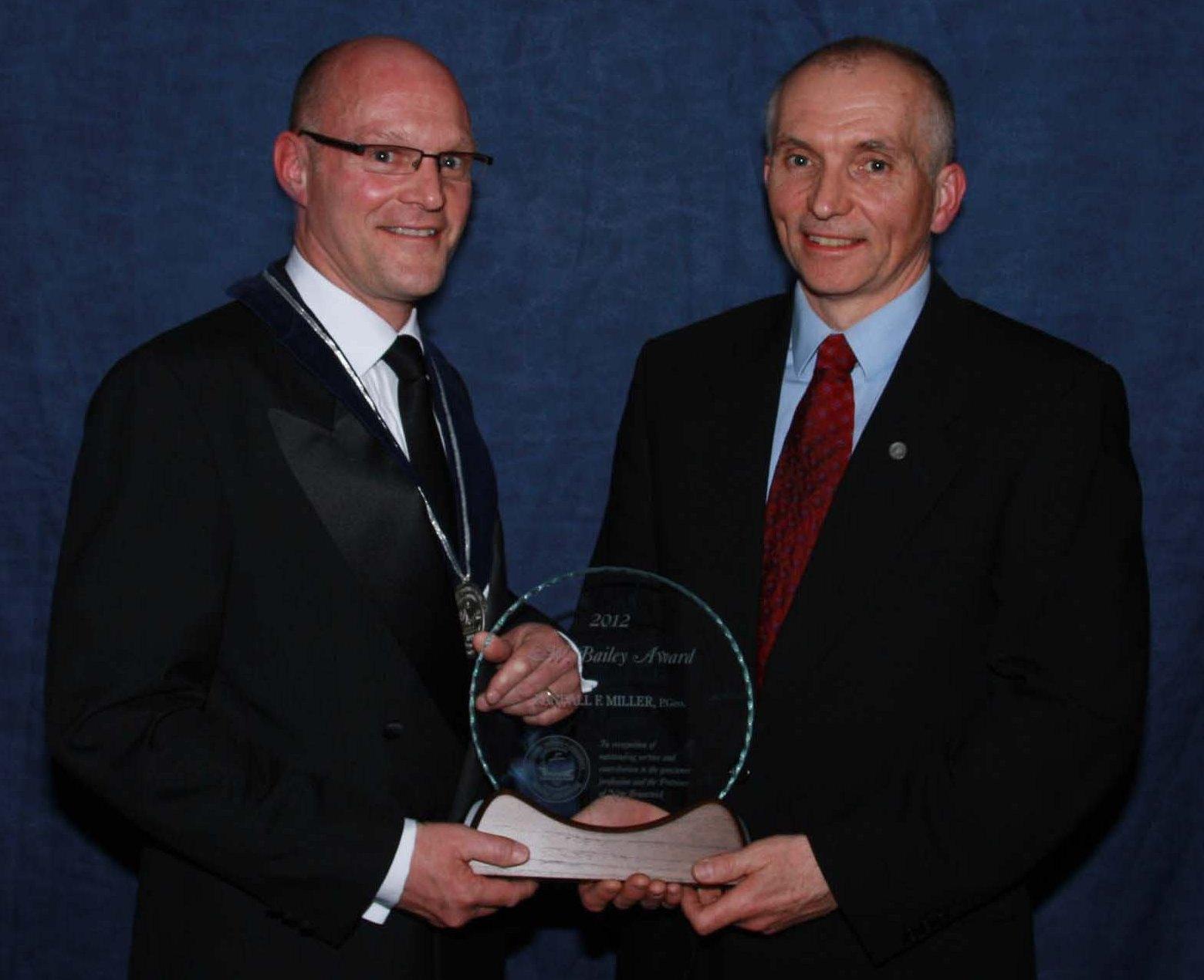 Darryl Ford Dr. Randy Miller 2012 LW Bailey Award.JPG