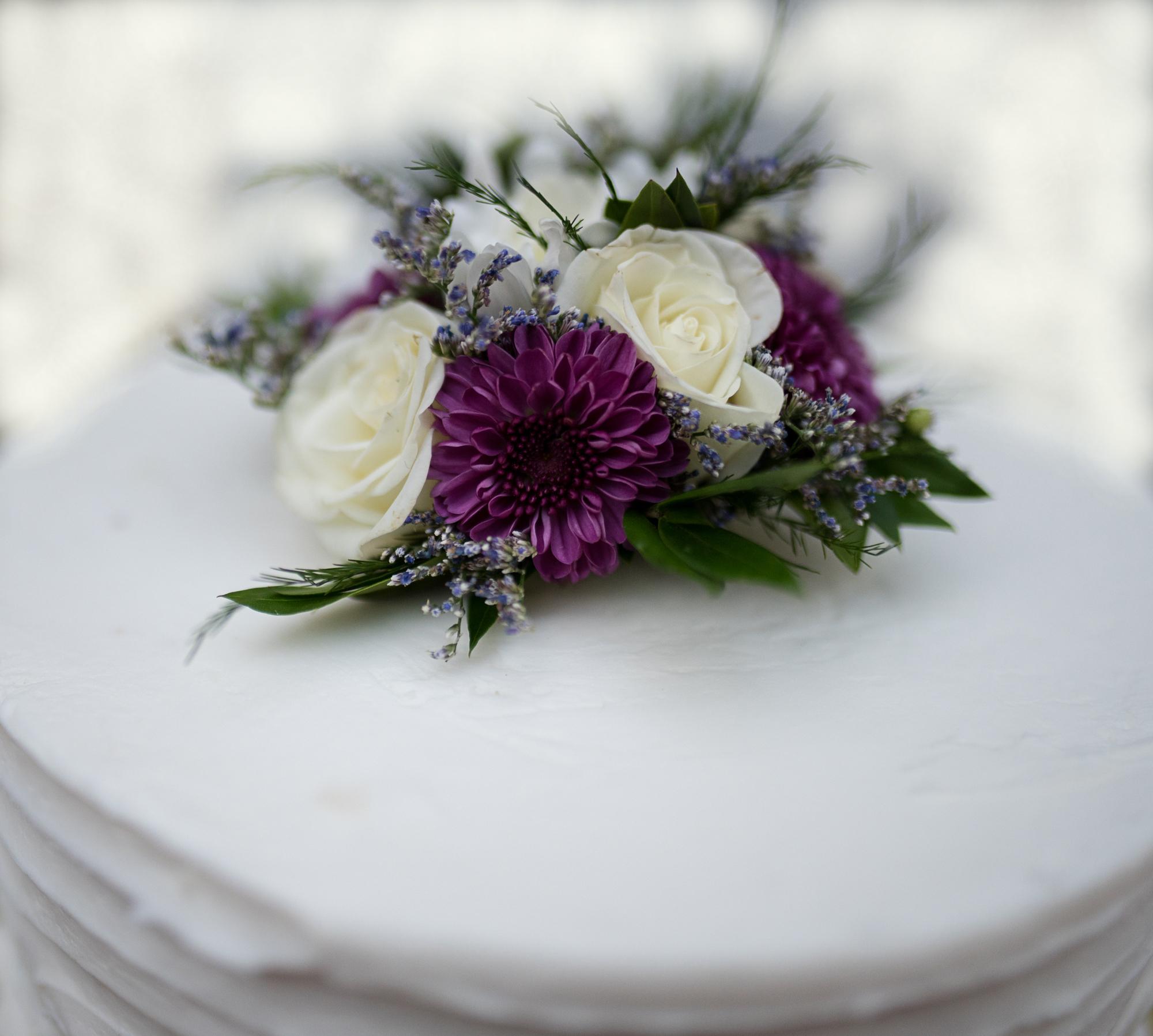 Alyssa and Micheal Wedding Cake.jpg
