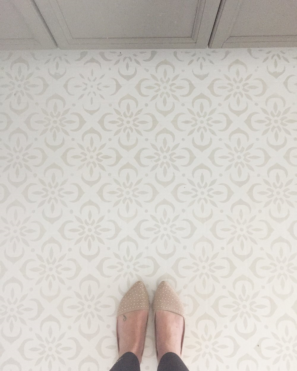 DIY Stencilled Kitchen Floor