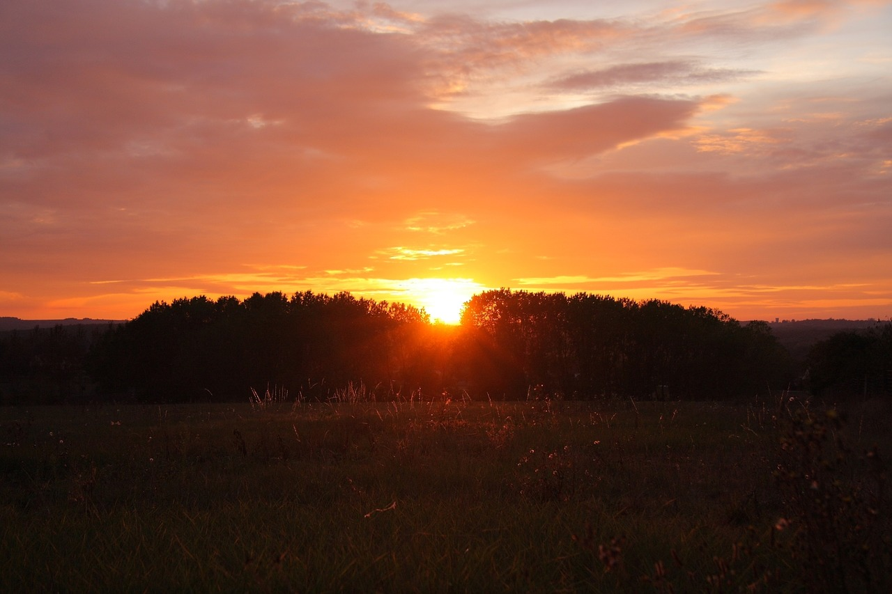 sunset-2661414_1280.jpg