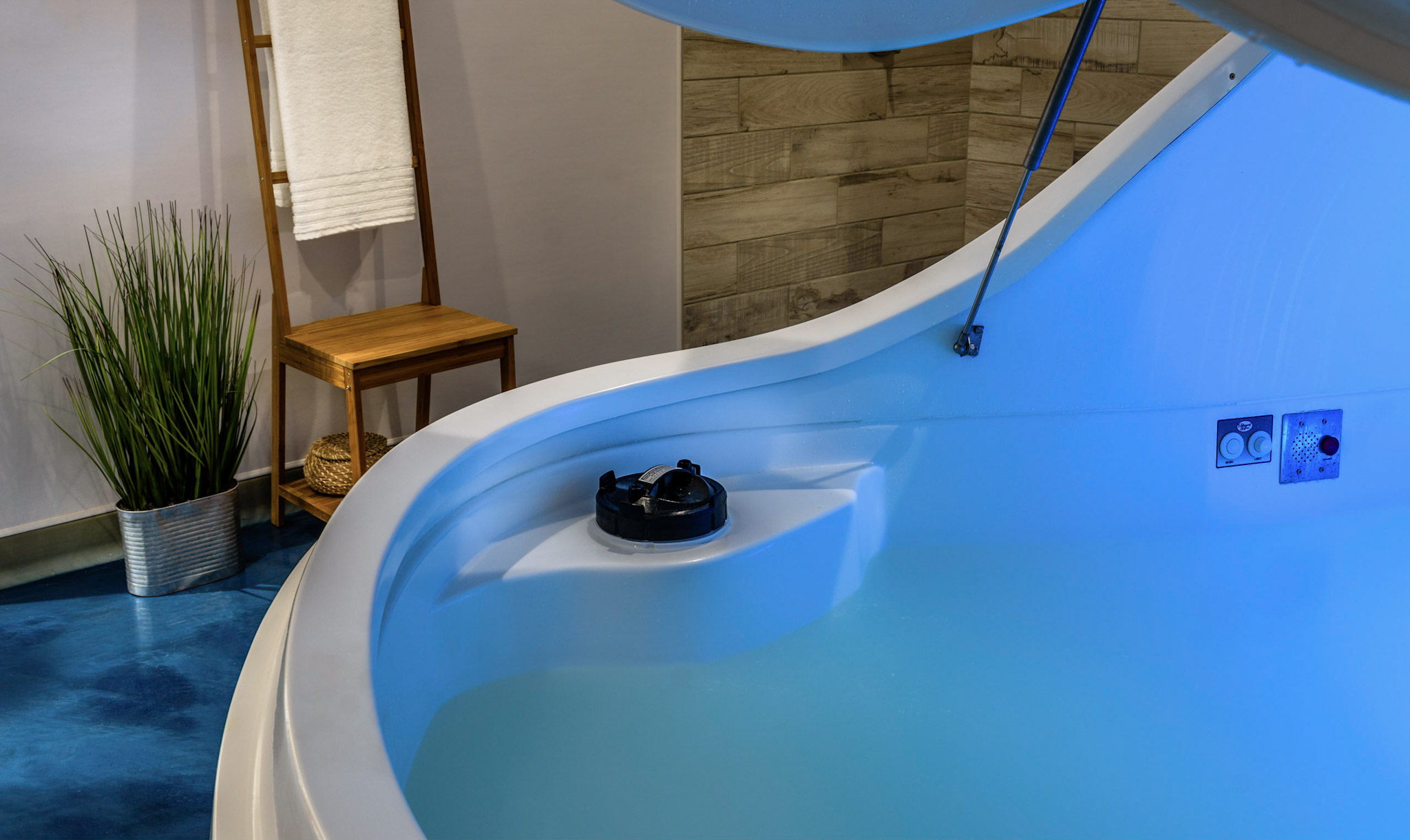 Flotation Therapy Float Suite at Float Spa SF in Sneads Ferry North Carolina 28460