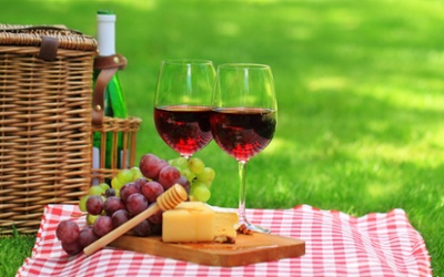 decadent-picnic-basket-wine-cheese-grape-photography-1920x1200-wallpaper64002.jpg