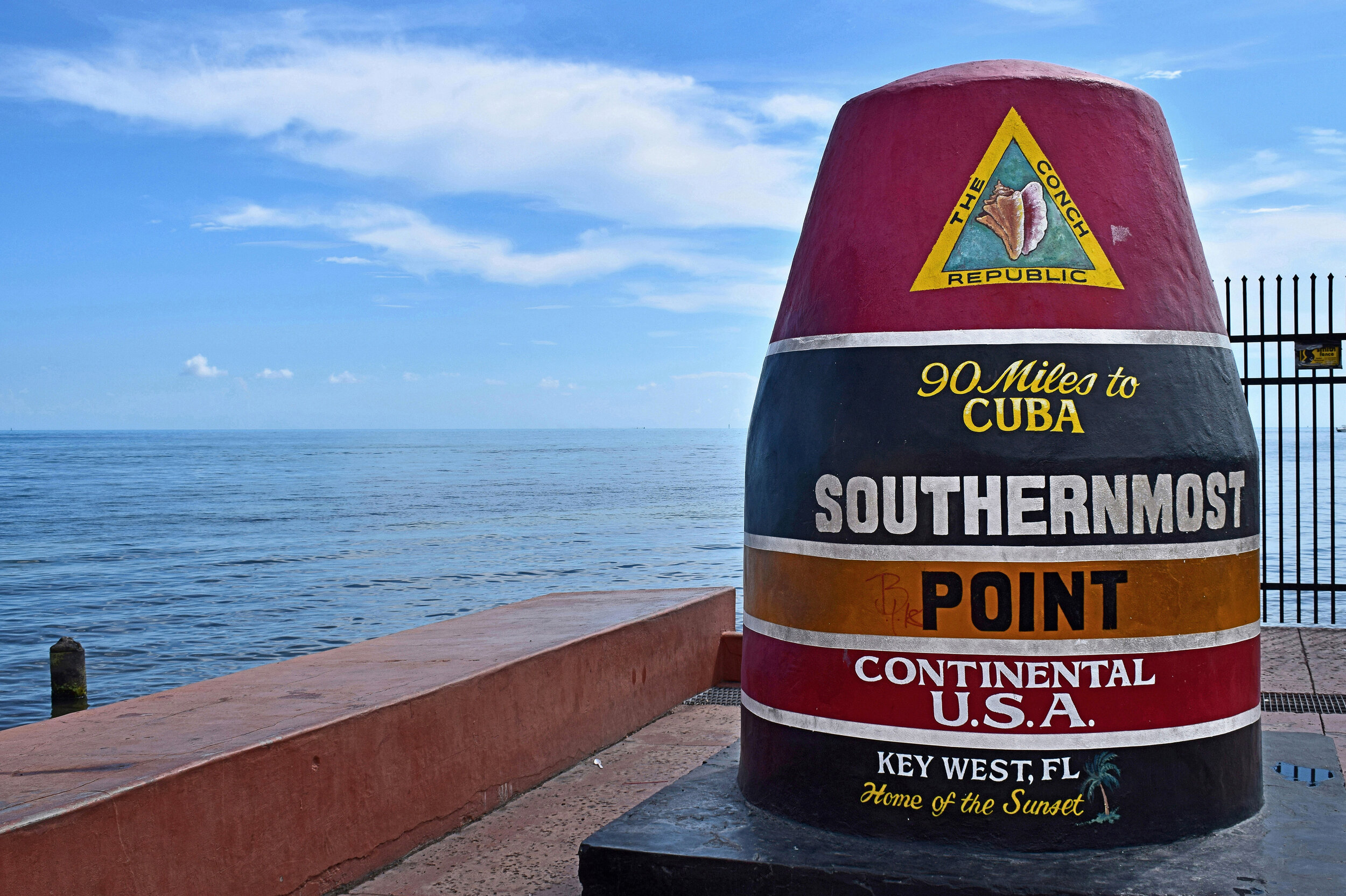 Southernmost_Point_an_der_Südküste_von_Key_West.jpg