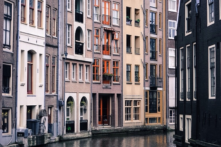 Known for beautiful canal houses and architectural charm