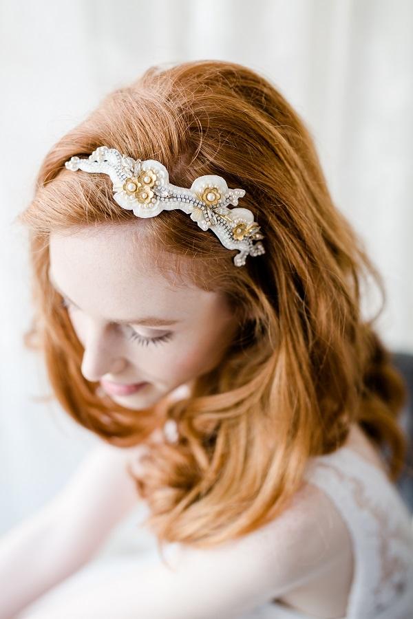 Lovers'+knot+headdress+1+sml+VictoriaFergusson.jpg