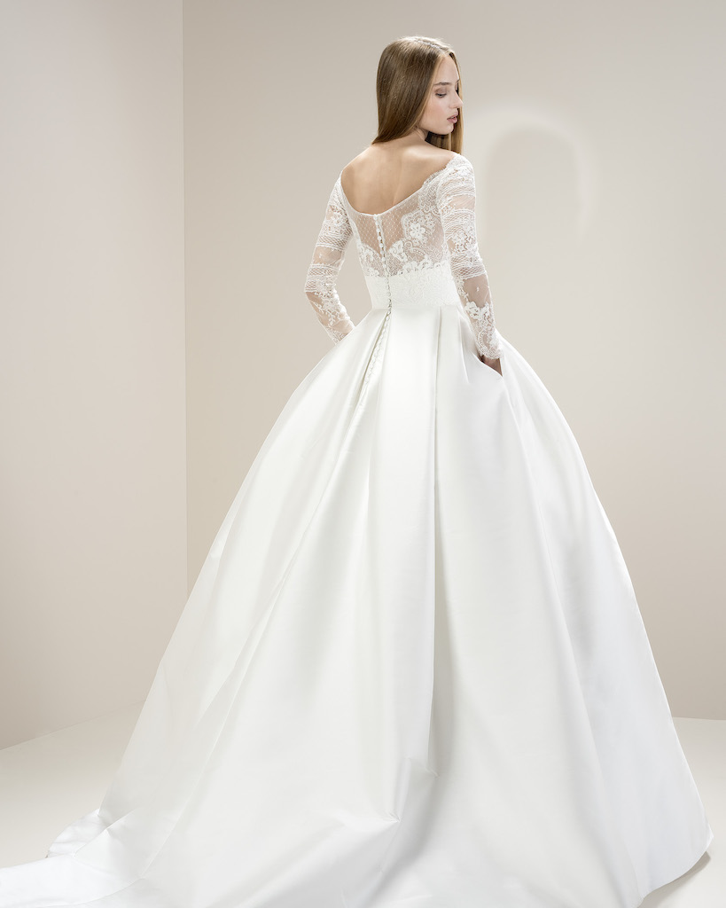 Jesus Peiro 8004 | Ball Gown Wedding Dress