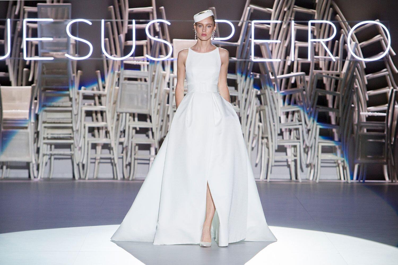 Jesus-Peiro-121-Wedding-Dress-2020-4