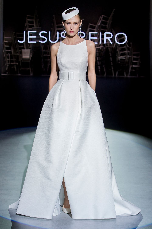 Jesus-Peiro-121-Wedding-Dress-2020-6