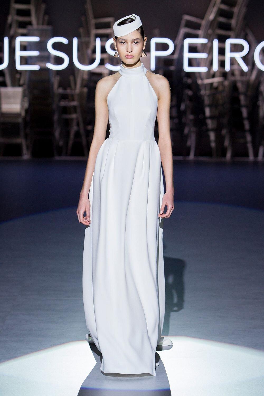 Jesus-Peiro-161-Wedding-Dress-2020