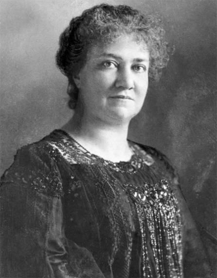 Rosa Mayreder (1905) http://www.wien.spoe.at/extend/spw_imgresizer.php?image=../bilder/d24/Galerie_Mayreder_Rosa_um1902_VGA7.jpg&width=446 *