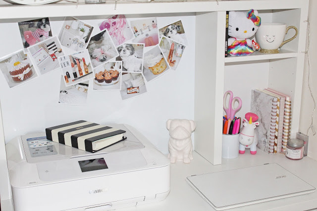 Room decor ideas using photo prints - Desk Inspo