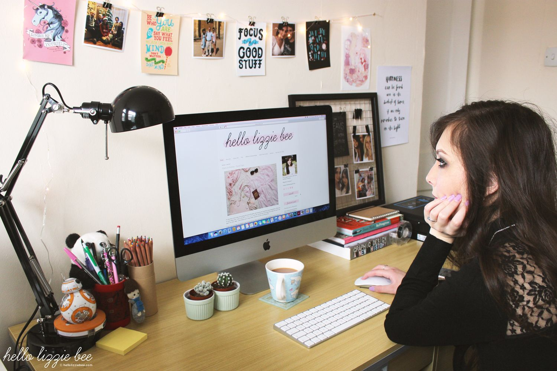 Desk decor ideas using photo prints