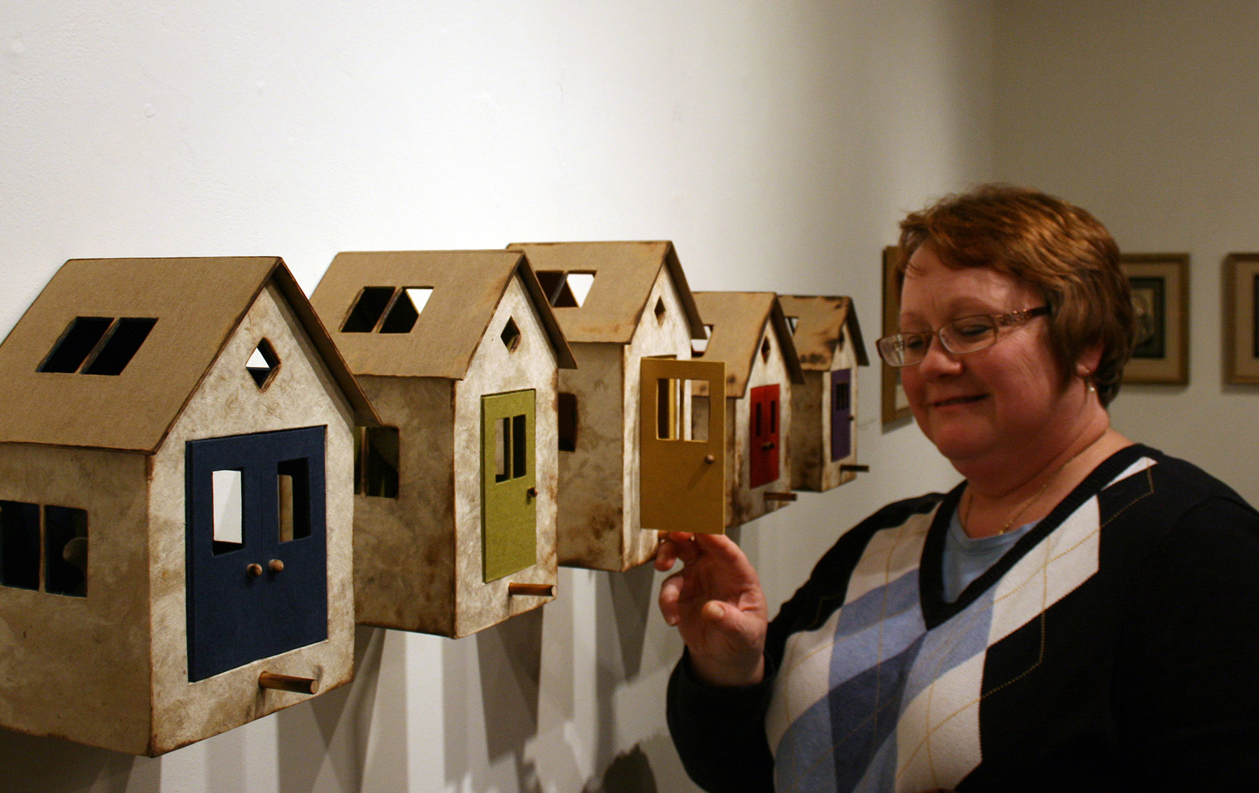 Bird-Houses-Installation-View-11_BC-with-Viewer1.jpg