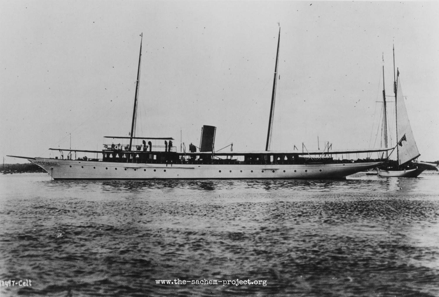 PHOTO NH 102169 FROM U.S. NAVAL HISTORICAL CENTER.