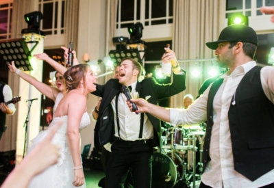 Singing-with-Wedding-Band-400x275_c.jpg