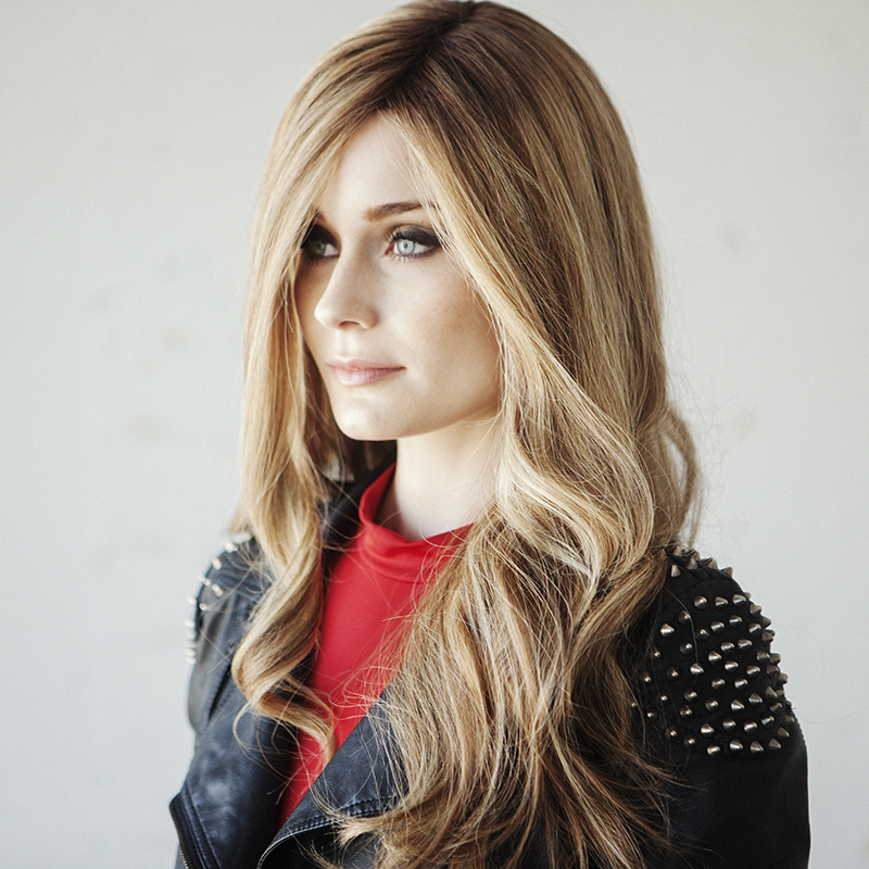 Adele: Bronze Full Wig in Roasted Vanilla Caramel Rooted