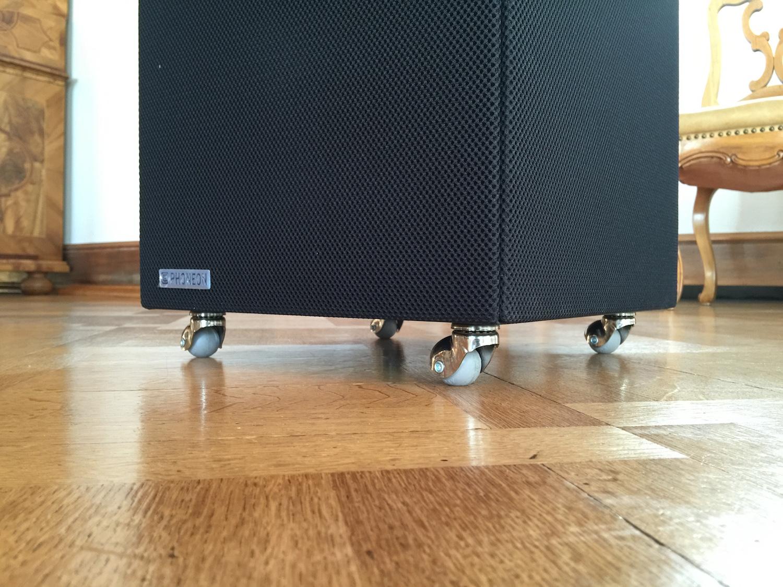 Phoneon Sound Butler ist fahrbar und kann so einfach verschoben werden