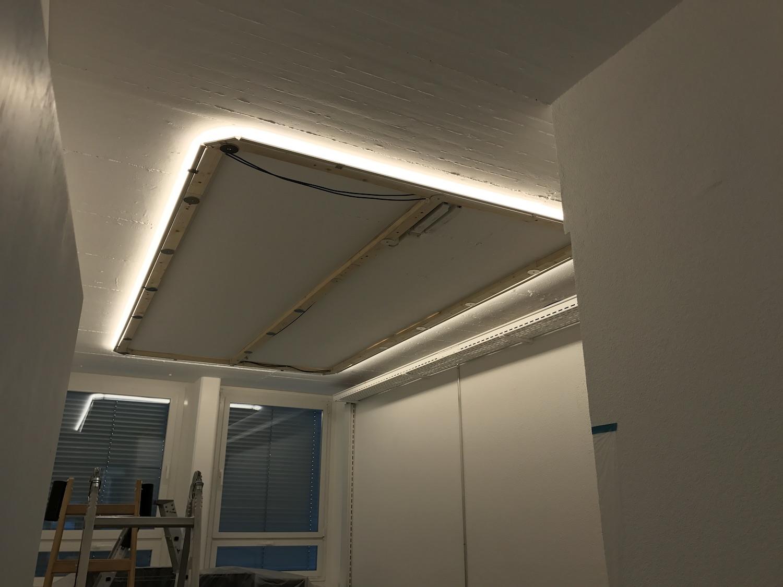 Unterkonstruktion mit LED-Streifen