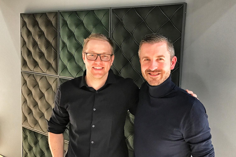 Stardesigner Johan Lindstén (links) mit Stefan Furrer (Bellton)