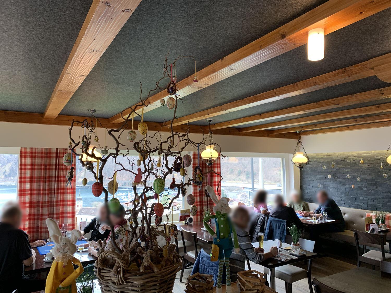 Echojazz-Decke_Restaurant Roggerli_Hergiswil_1.jpg