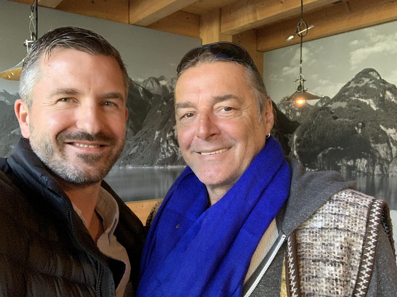 Der internationale Top-Fotograf Armin Grässl, zusammen mit Bellton's Geschäftsführer Stefan Furrer bei der Projektabnahme am 02.04.2019