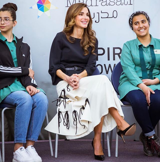 """{THRILLED}: Spotted her majesty @Queenrania in #Reemami's knotted skirt⚡️ while launching the campaign """"Say no to bullying"""" ✨✨ #queenrania #reemami #queenraniastyle #elegance #saynotobullying #jordan #lovejo"""