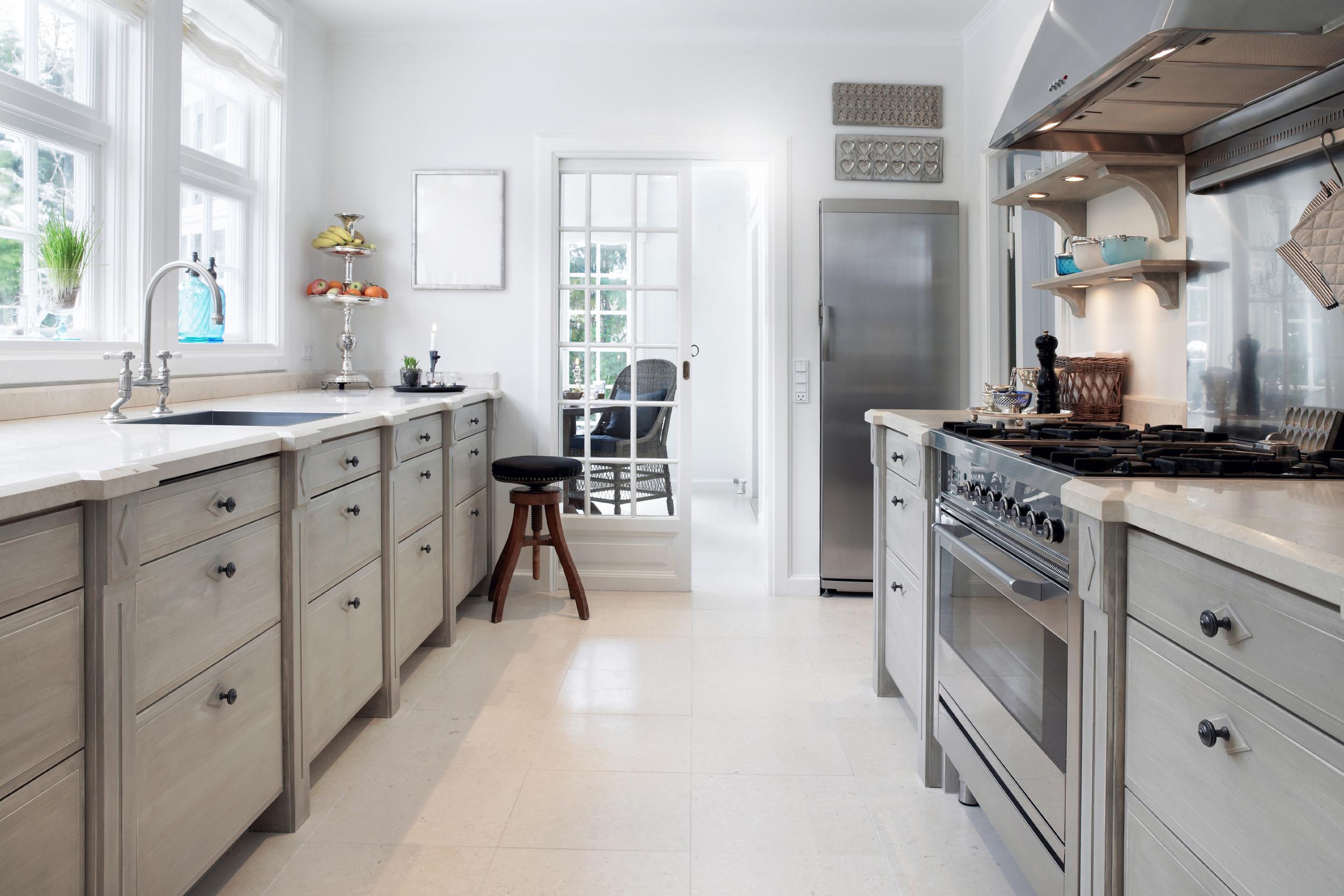 stock-photo-19343636-spacious-kitchen.jpg
