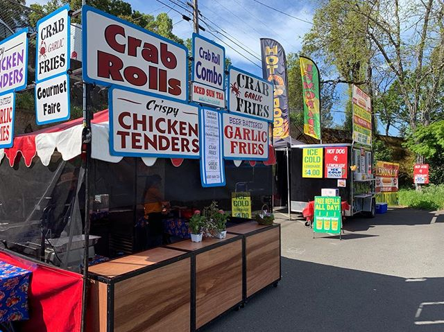 In April 2019, we are staying local at the Sebastopol Apple Blossom Parade and Festival! 🍎🌸🍃 We couldn't ask for a more beautiful spring day! • • • • #crabrolls #crabfries #garlicfries #corndogs #gourmetfaire #nomnom #festivalseason #2019 #musicfestival #foodgasm #music #foodie #foodporn #picoftheday  #bayarea #streetfood #appleblossom #sebastopol #sonomacounty #hometown #spring2019