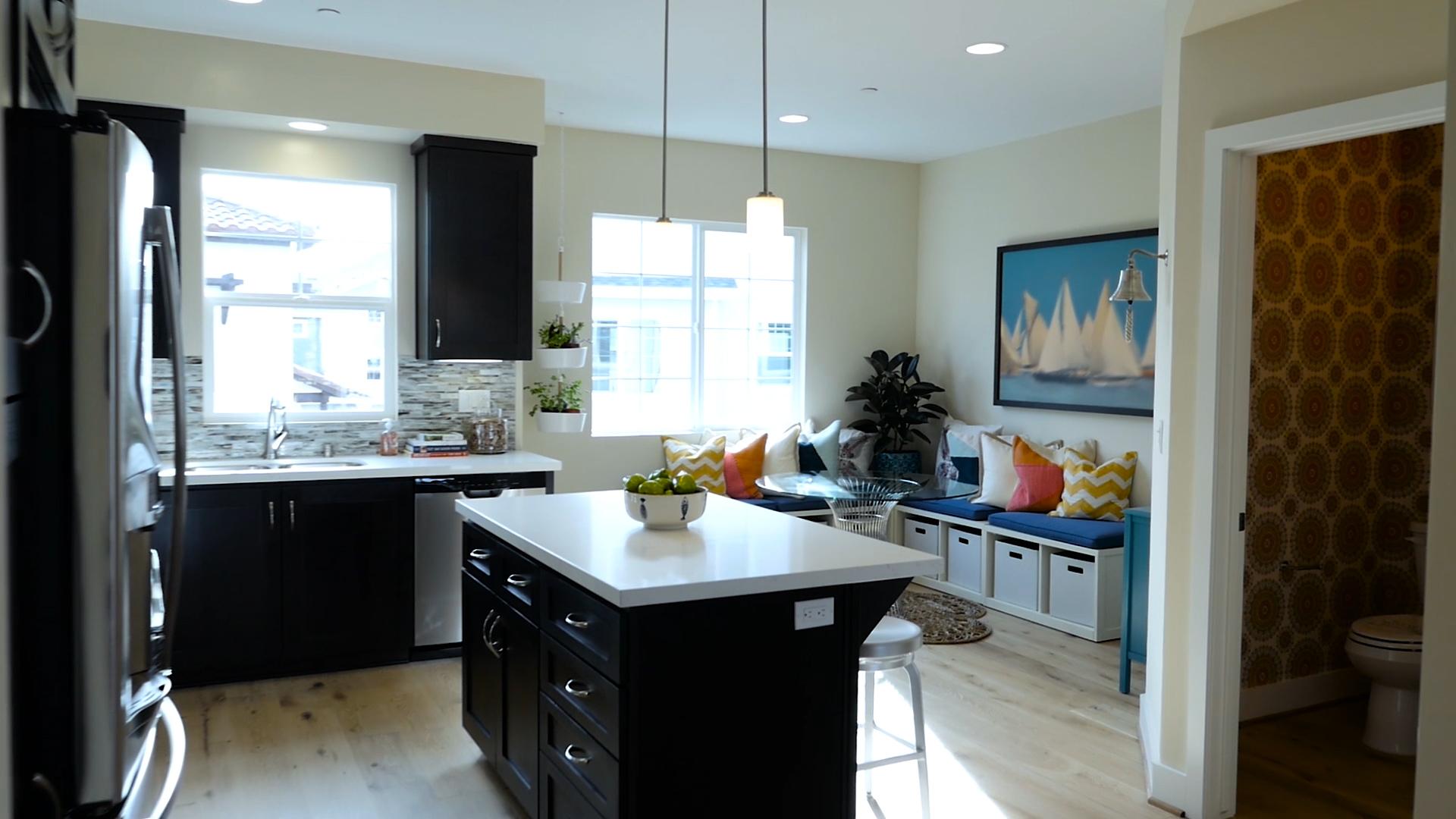 28. Kitchen Living.jpg