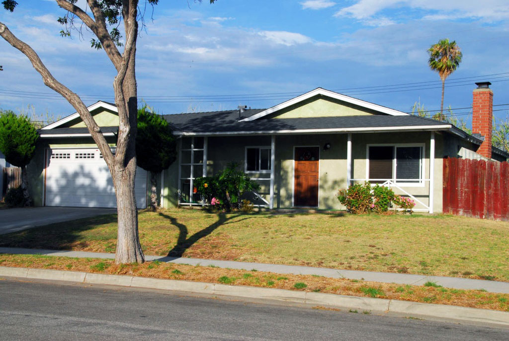 SOLD: $640,000  Represented Seller  1346 Sterling Avenue, Carpinteria, CA 93013 3 beds 2 baths 1,464 sqft