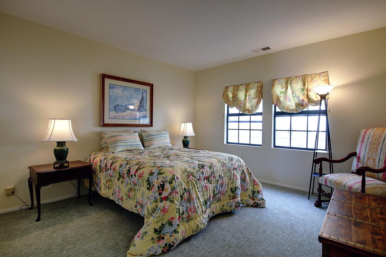 2535Whitney_Upstairs2ndBedroom.jpg